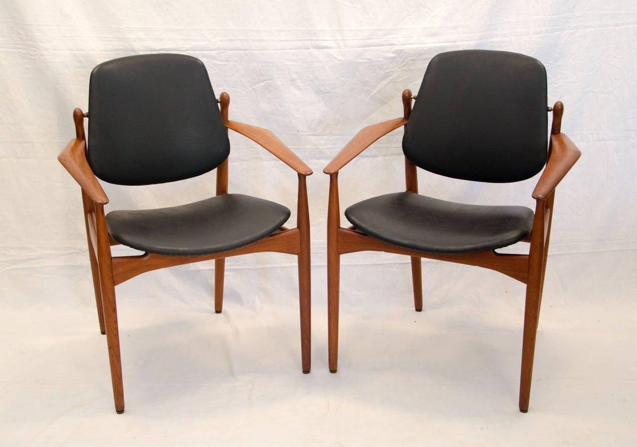 eight danish teak dining chairs arne vodder image 2. Black Bedroom Furniture Sets. Home Design Ideas