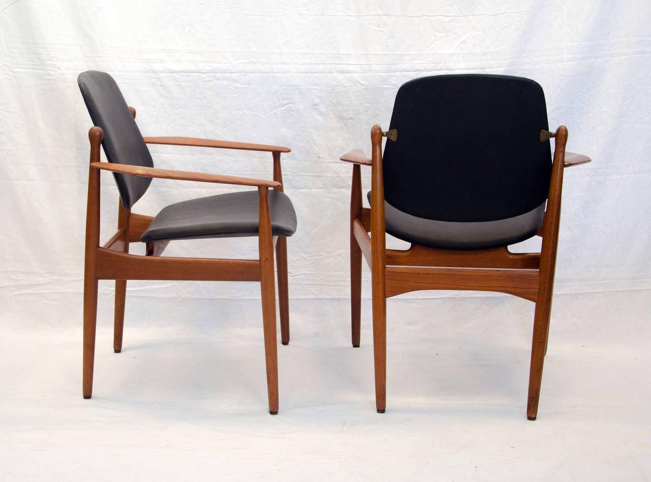 eight danish teak dining chairs arne vodder image 3. Black Bedroom Furniture Sets. Home Design Ideas