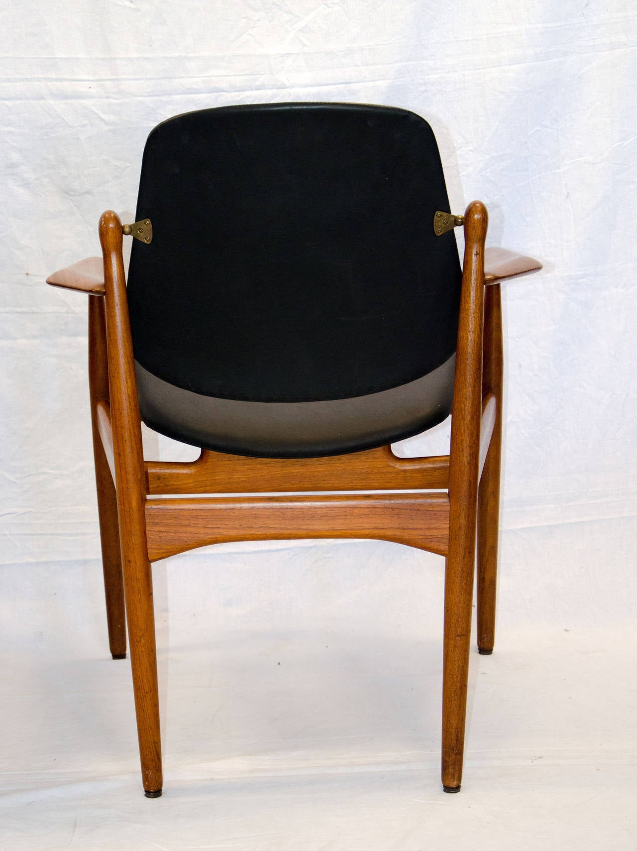 Eight danish teak dining chairs arne vodder image 6 for Danish dining room chairs