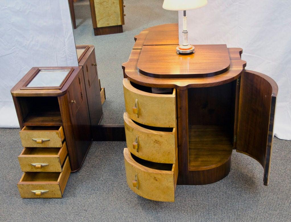 Art Deco Bedroom Suite At 1stdibs