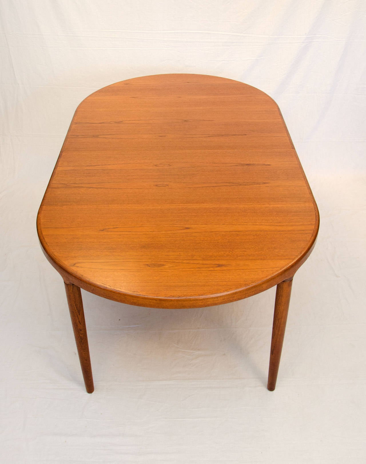 573 Danish Dining Table C 6