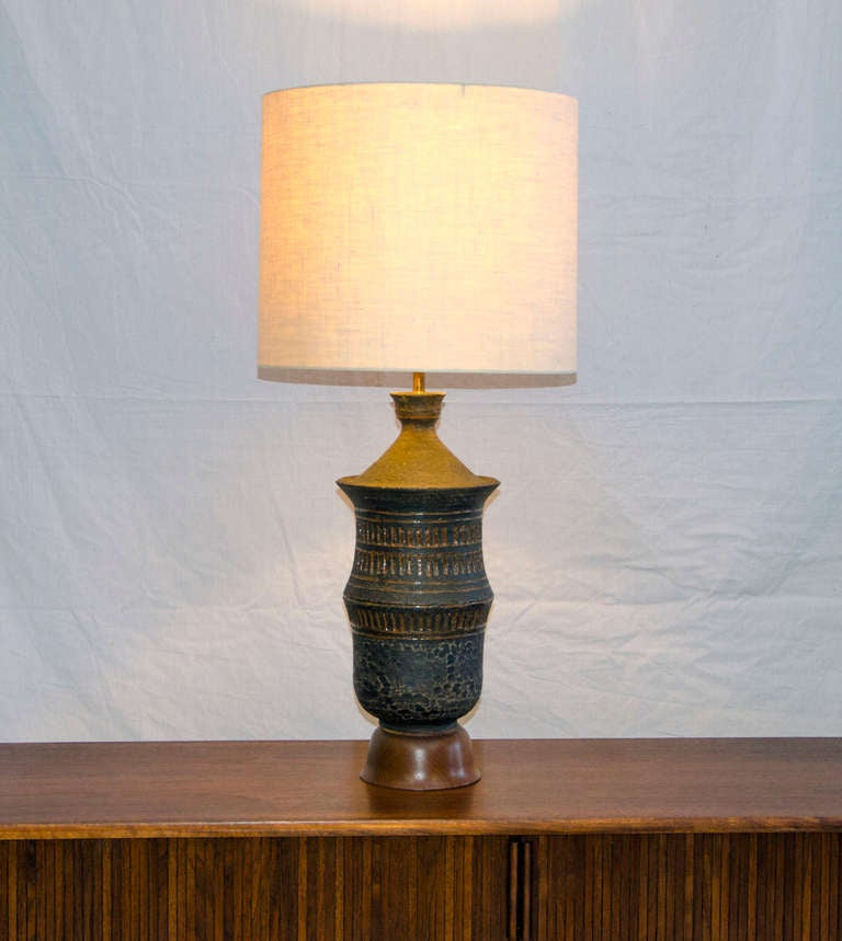 Mid-Century Modern Mid Century Table Lamp Asian Influence For Sale