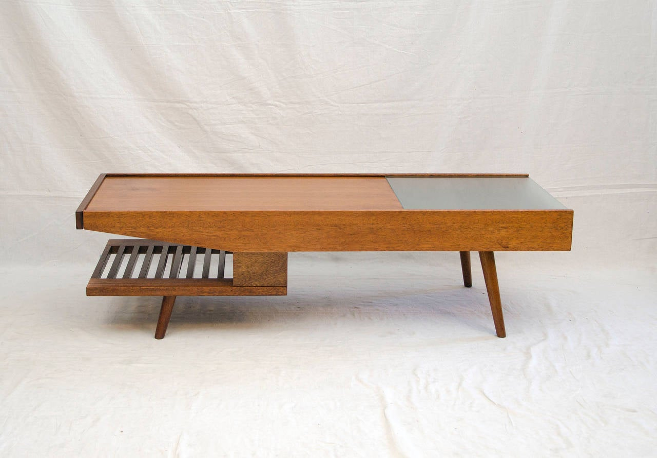 Charmant American Mid Century Coffee Table, John Keal For Brown Saltman For Sale