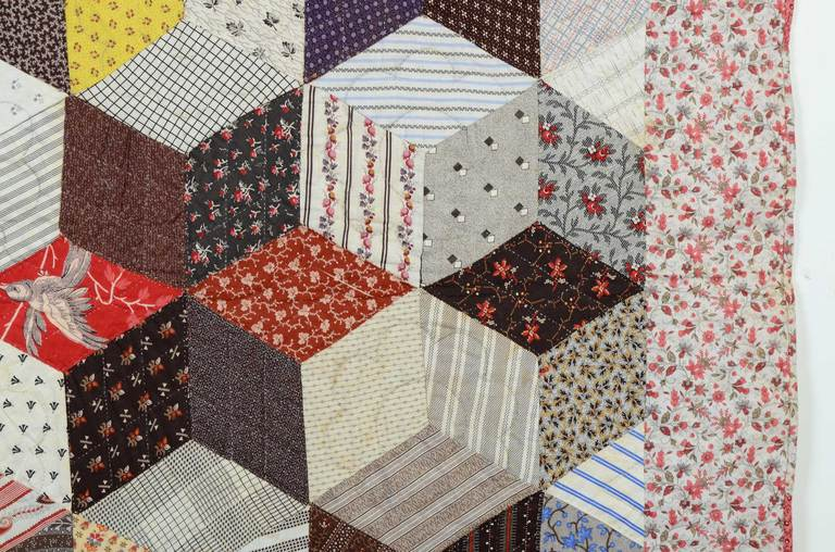 Tumbling Blocks Charm Quilt In Excellent Condition For Sale In Darnestown, MD