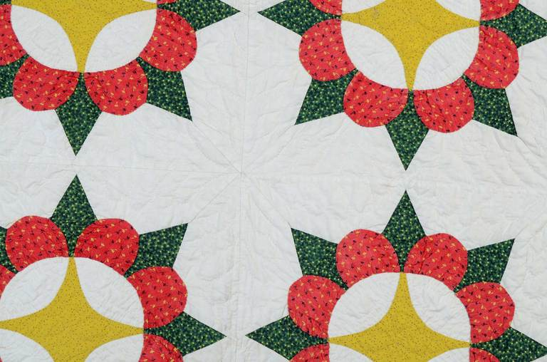 Caesar's Crown Quilt In Excellent Condition For Sale In Darnestown, MD