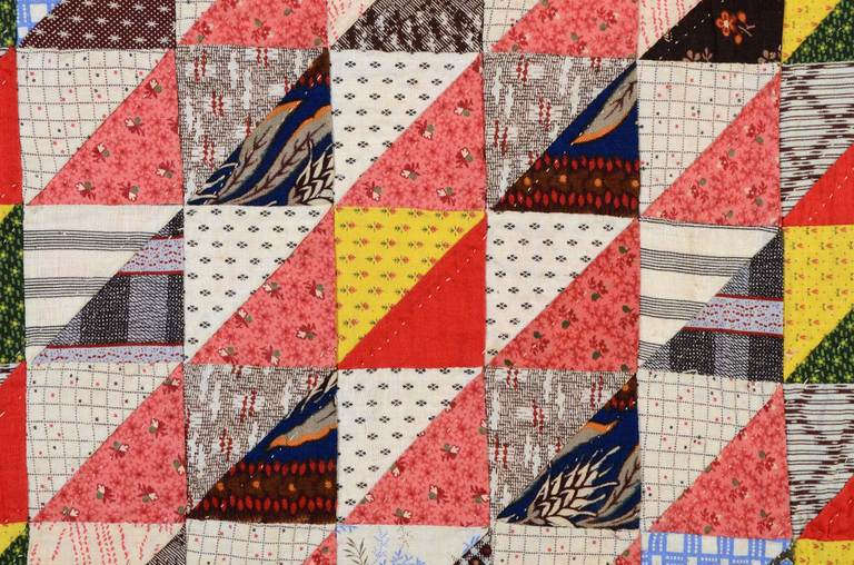 Thousand Pyramids Quilt In Excellent Condition For Sale In Darnestown, MD