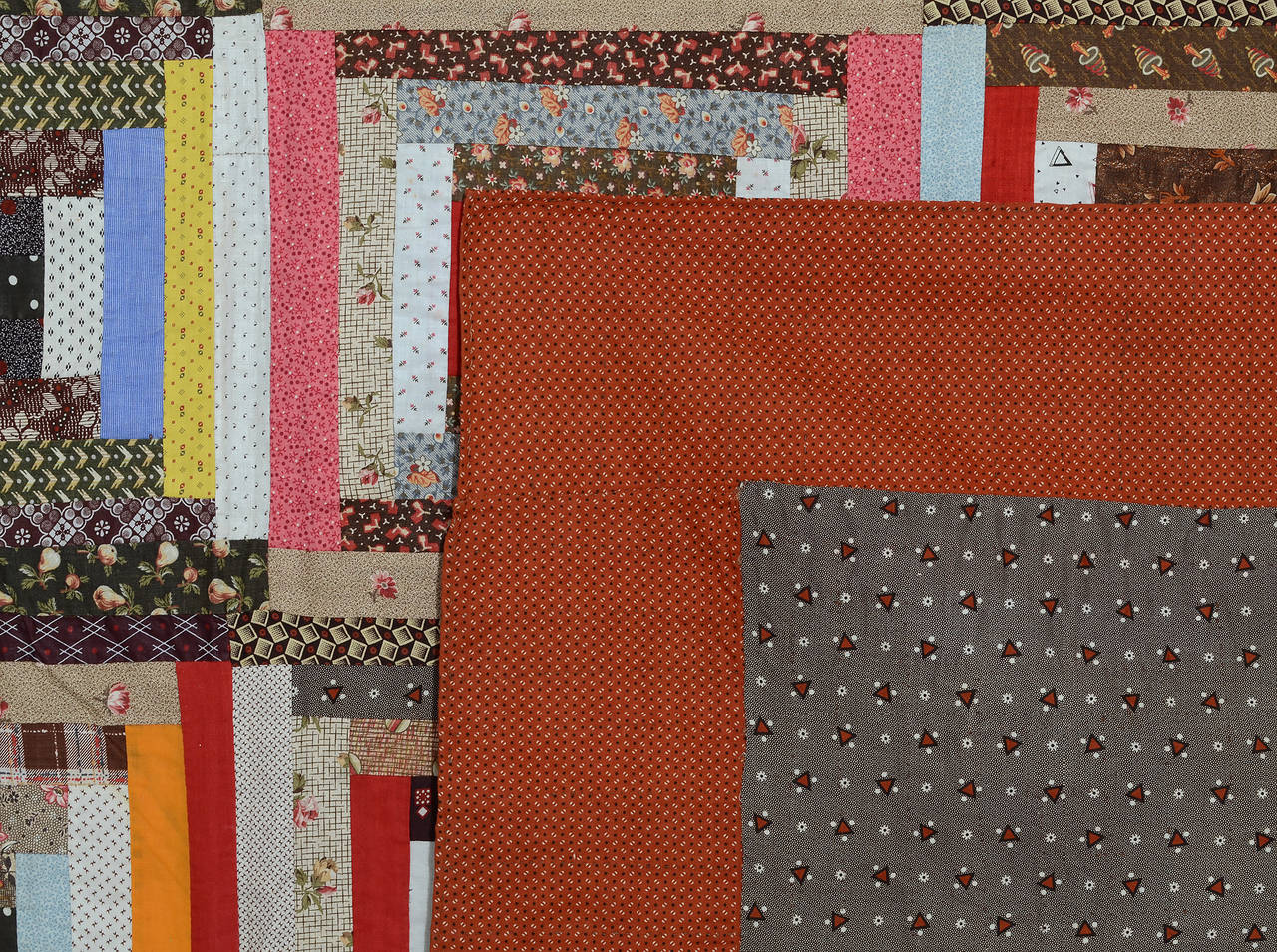 Late 19th Century Courthouse Steps Log Cabin Quilt For Sale