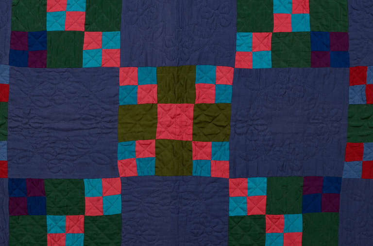 Lancaster County Amish Four Patch in Nine Patch Quilt In Good Condition For Sale In Darnestown, MD