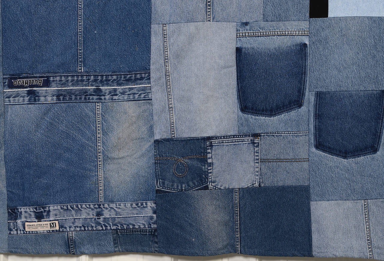 Denim Indigo Quilt In Excellent Condition For Sale In Darnestown, MD