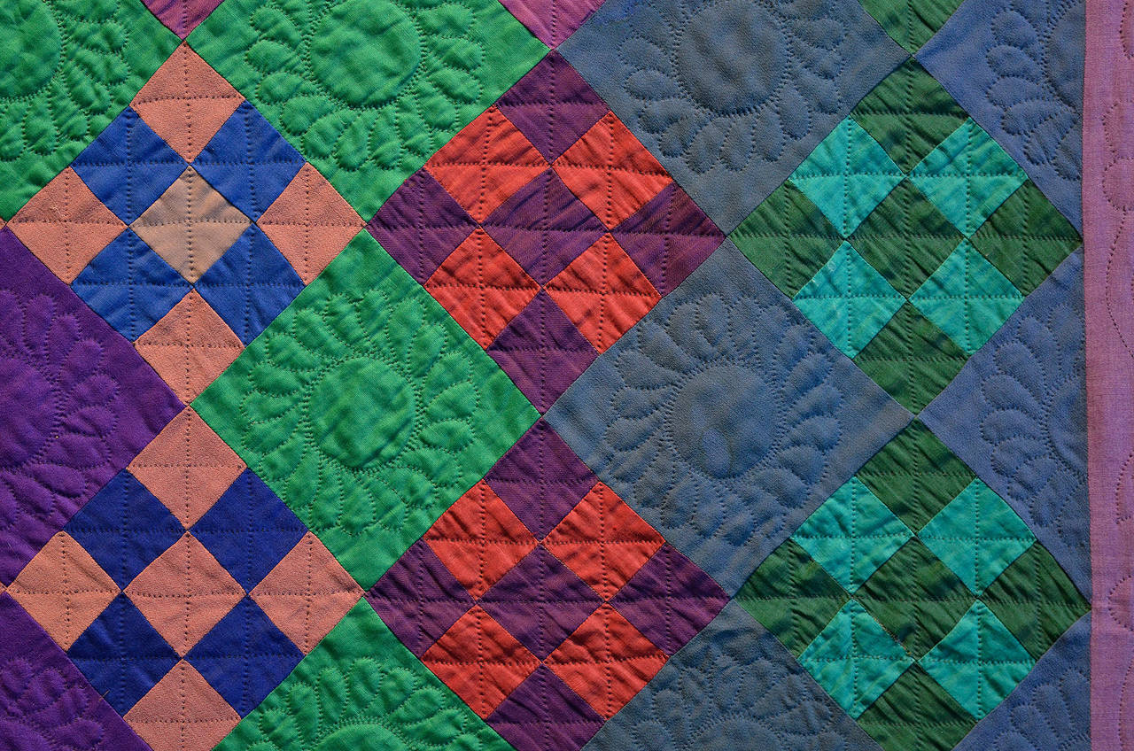 Lancaster County Amish Nine-Patch Quilt In Excellent Condition For Sale In Darnestown, MD
