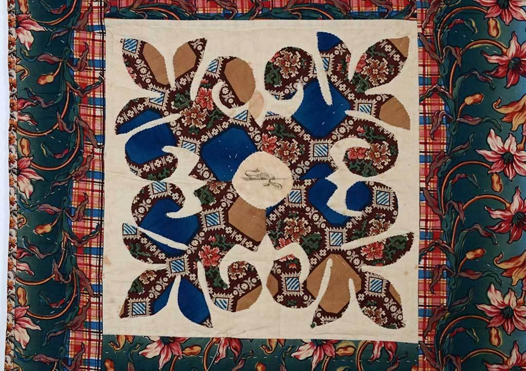 Center Medallion Mourning Quilt 5