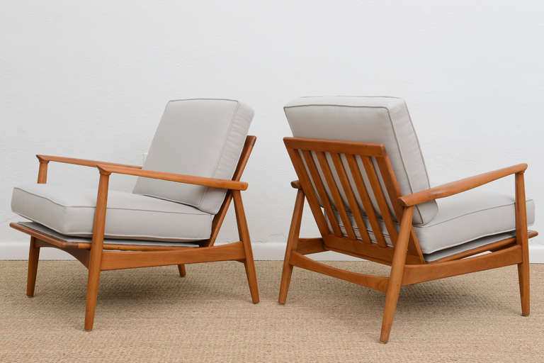 Wood Lounge Chairs pair of mid century slatted wood lounge chairs at 1stdibs