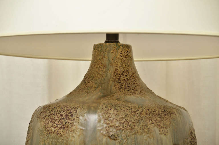 American Large Midcentury Ceramic Lamp with Textured Brown and Green Glaze For Sale