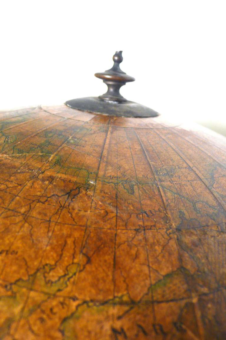 18 Inches Italian papier machè terrestrial globe with wooden base. For Sale 1