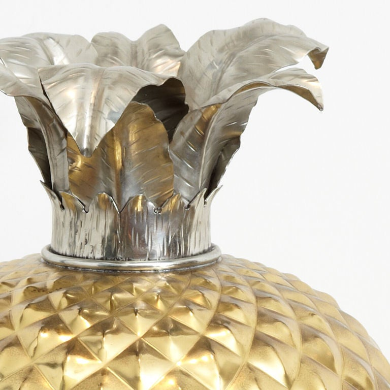 Huge Brass Pineapple Ice Bucket In Excellent Condition For Sale In Finchley, London