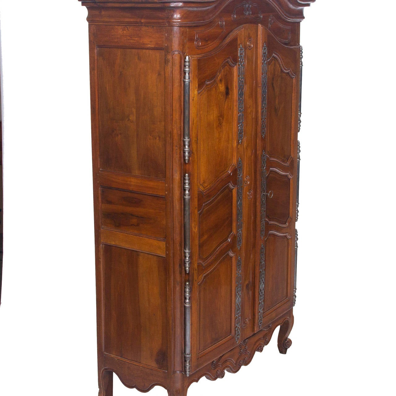 armoire a cle vintage. Black Bedroom Furniture Sets. Home Design Ideas