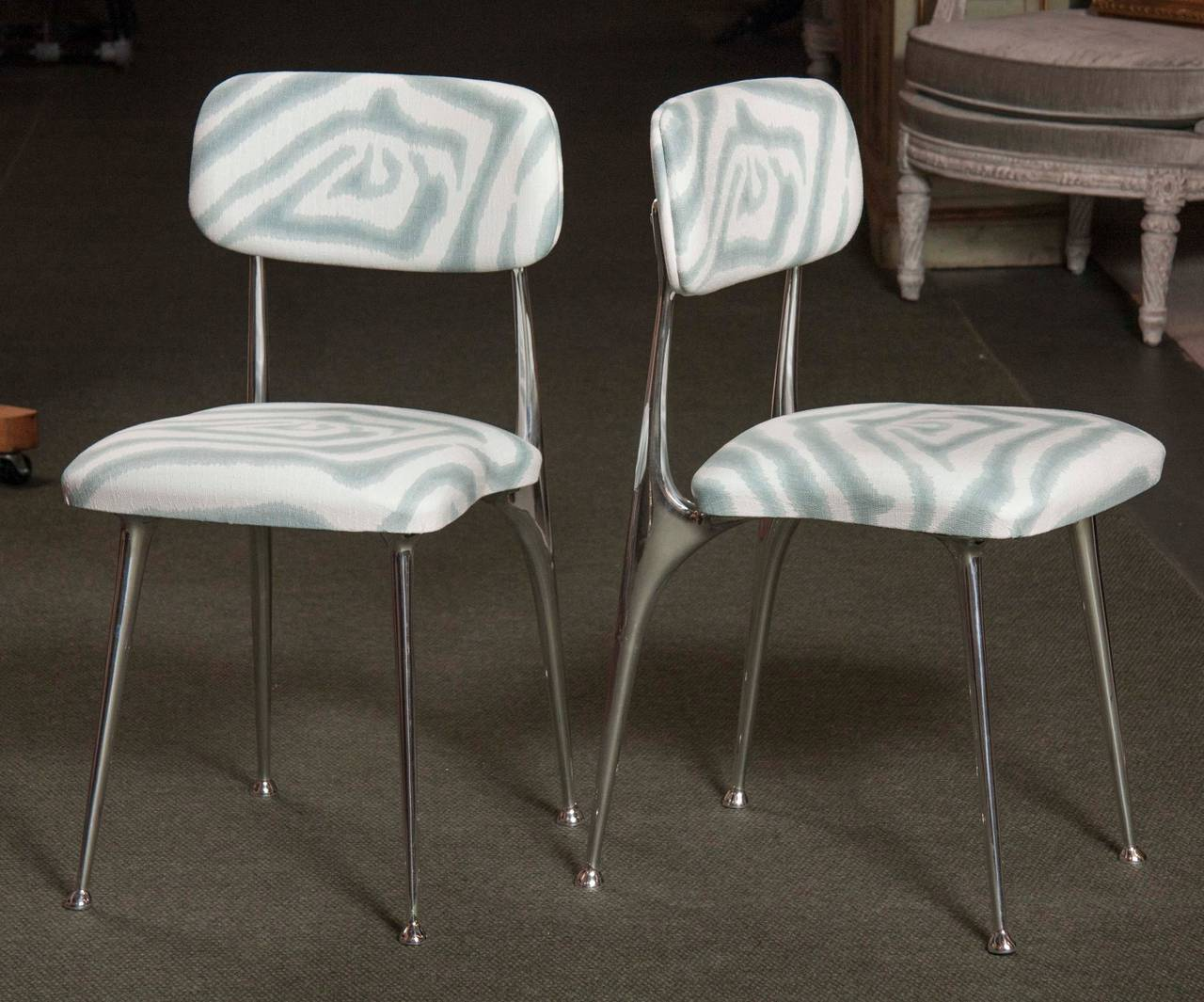 Mid-Century Modern Set of 6 Polished Aluminum Dining Chairs by Shelby Williams For Sale