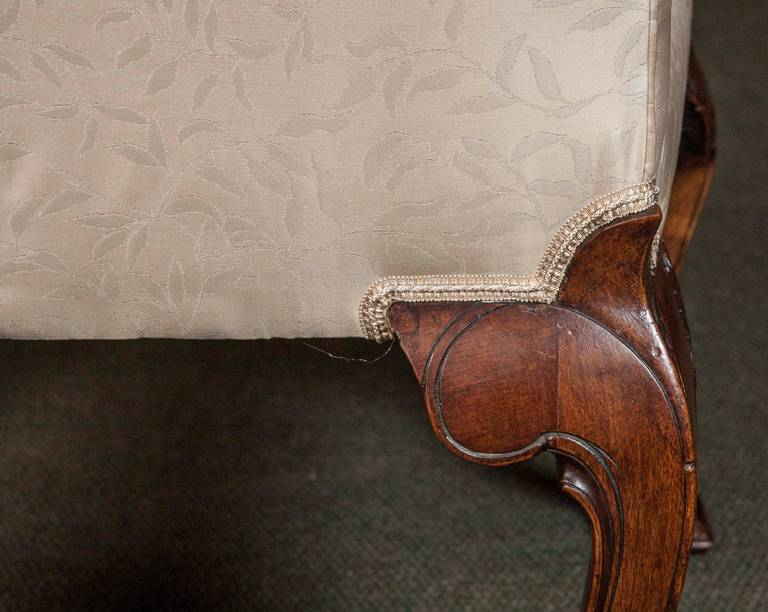 Set of Eight George II Walnut Dining Chairs For Sale 5