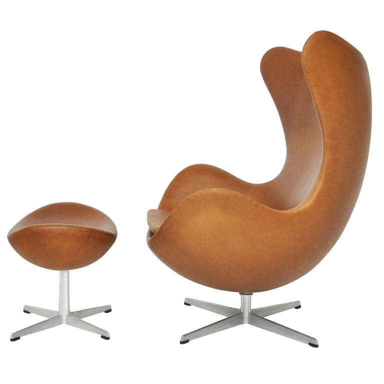 Pouf Design Egg Pouf Jacobsen : Arne jacobsen egg chair and ottoman at stdibs