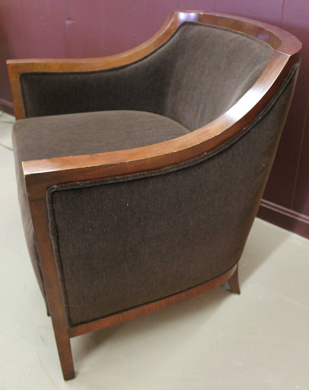 Stunning pair art deco style councill lounge chairs at 1stdibs for Art deco style lounge