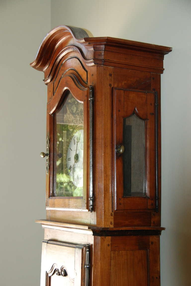 French Walnut Clock In Excellent Condition For Sale In Encinitas, CA