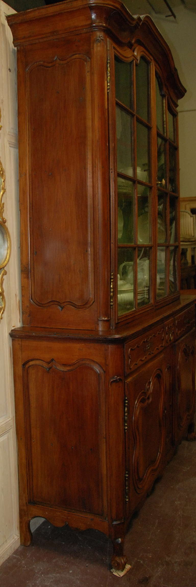 18th Century and Earlier 18th Century Walnut Buffet a Deux Corps For Sale