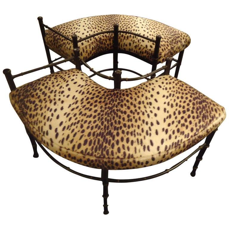 1015352 Leopard print bench