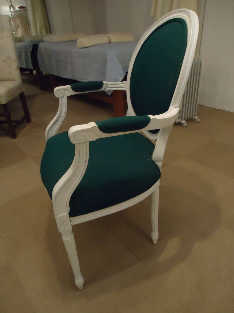 six french style white painted wood dining chairs at 1stdibs. Black Bedroom Furniture Sets. Home Design Ideas