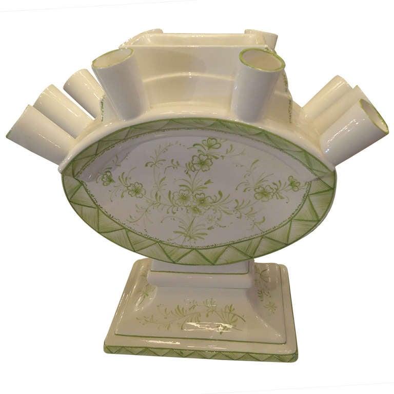 Mottahedeh Valpierre Ceramic Centerpiece