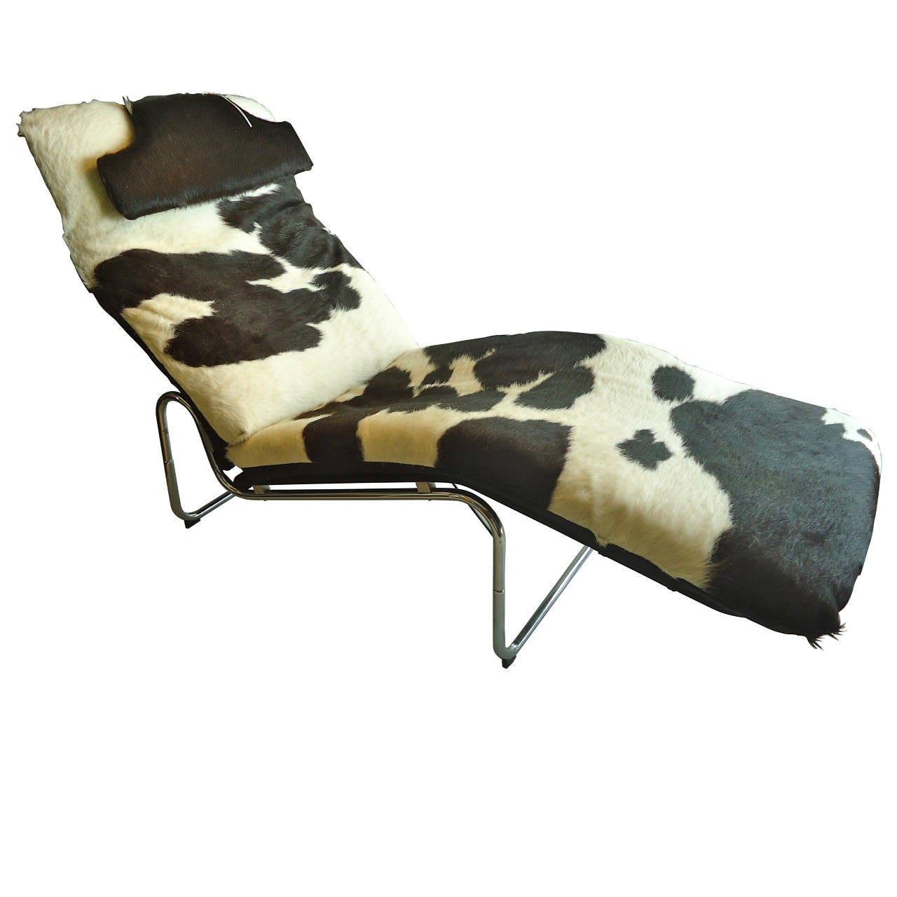 Stylish cowhide chaise with chrome base at 1stdibs for Chaise 64 cm
