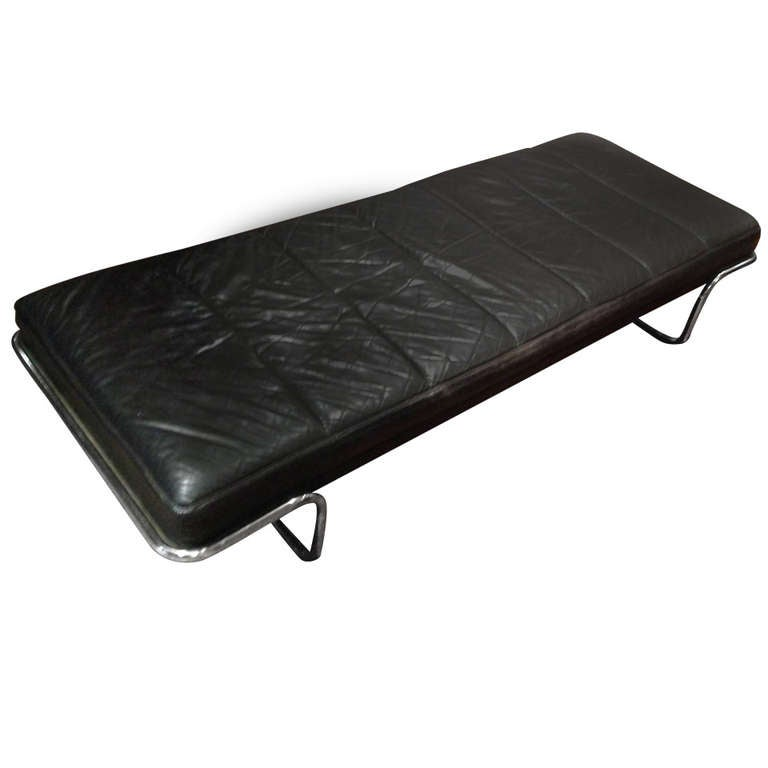 Modern black leather and chrome chaise bench at 1stdibs for Black leather chaise