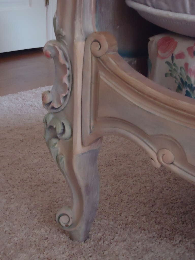 French Antique Princess Bed In Excellent Condition For Sale In Hopewell, NJ