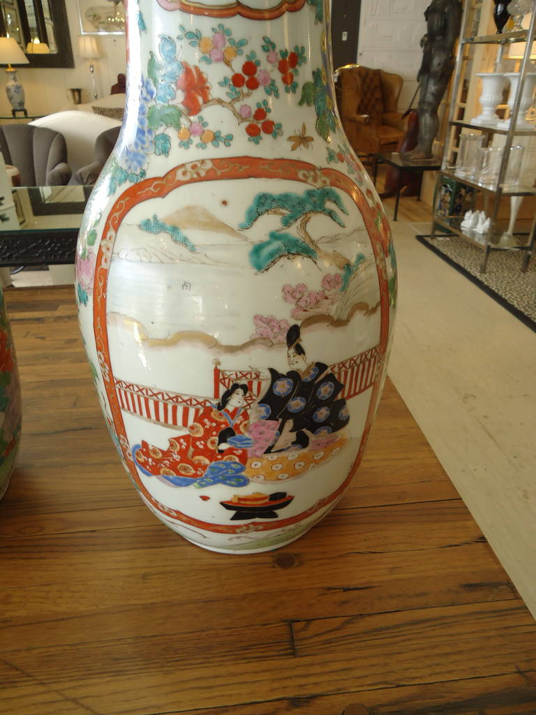Japanese Pair of 19th Century Fukagawa Vases For Sale