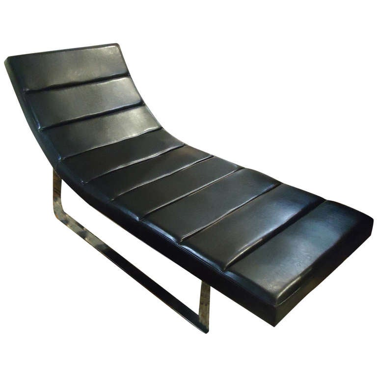Swanky and sleek vintage black leather chaise at 1stdibs for Black leather chaise longue