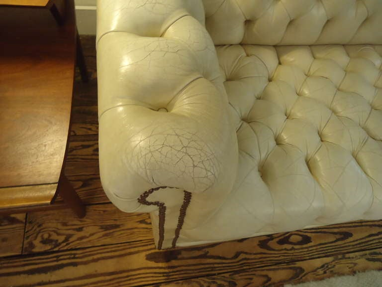 Luscious Vintage Off White Leather Chesterfield 4