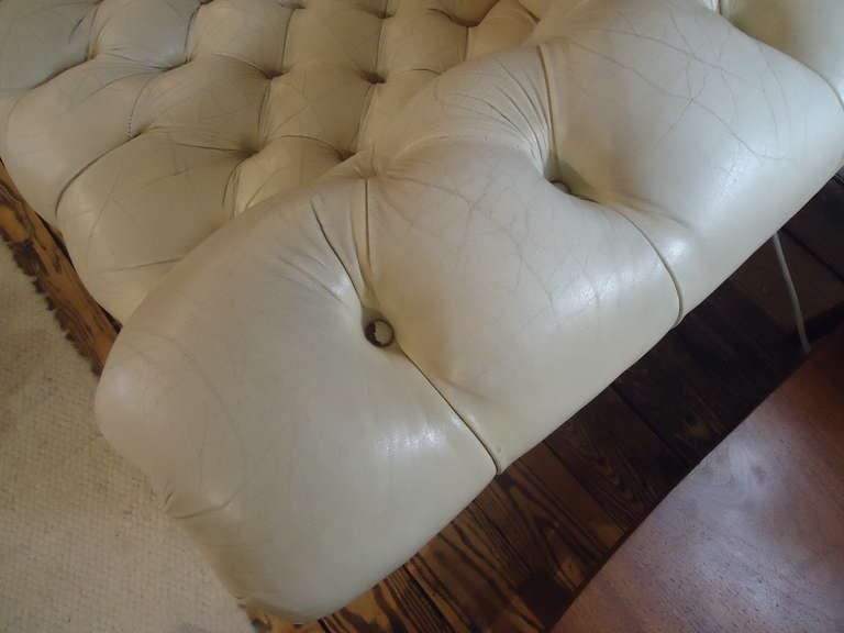 Luscious Vintage Off White Leather Chesterfield 5