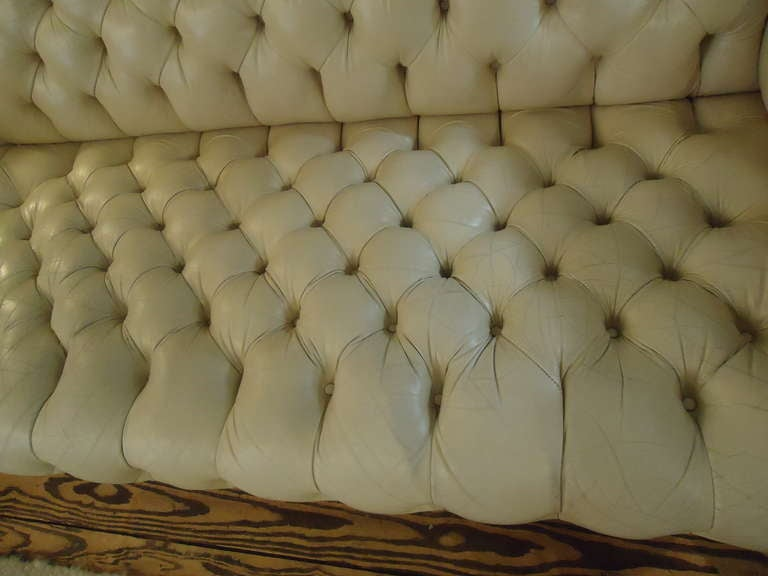 Luscious Vintage Off White Leather Chesterfield 6