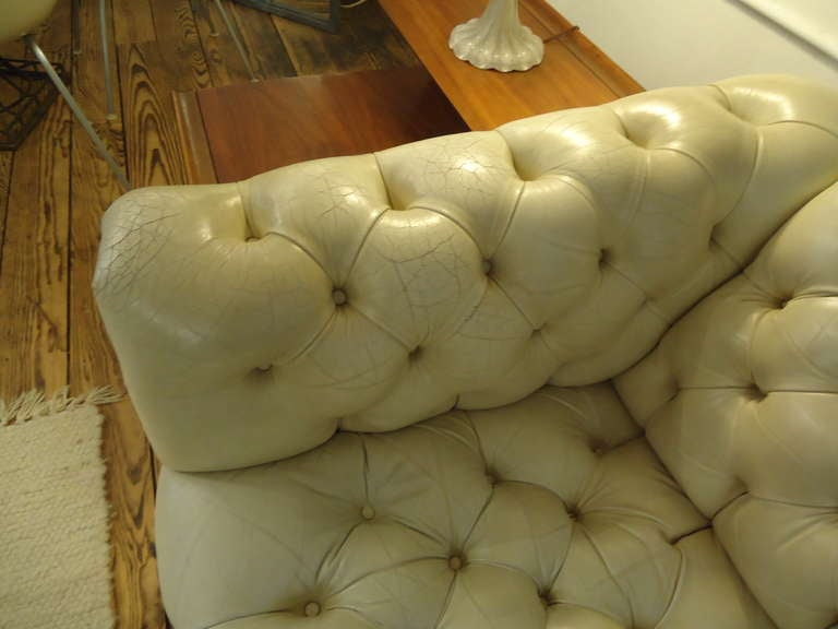 Luscious Vintage Off White Leather Chesterfield 7