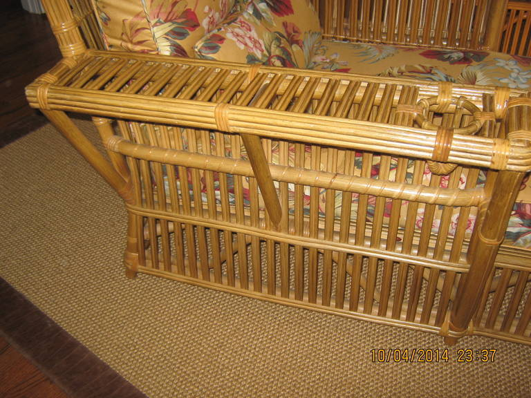Pair of bielecky brothers rattan chaise lounges at 1stdibs for Chaise longue rattan sintetico