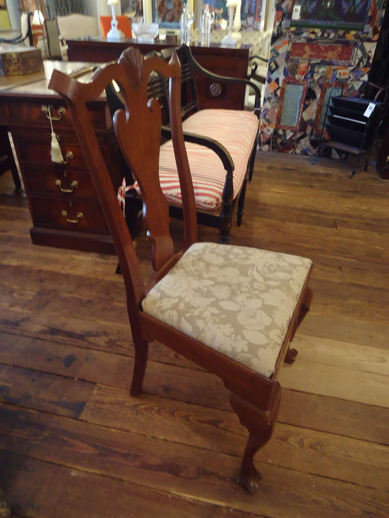Mid-20th Century Set of Eight Vintage Queen Anne Style Dining Chairs Signed by Maker For Sale