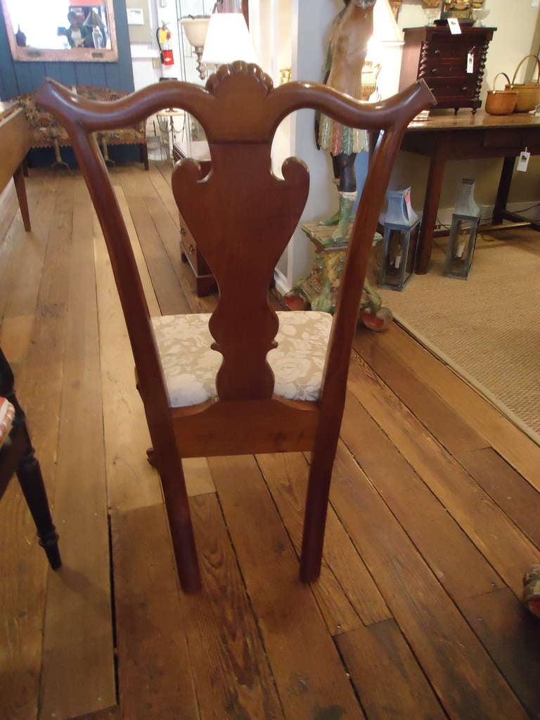 Set of Eight Vintage Queen Anne Style Dining Chairs Signed by Maker In Excellent Condition For Sale In Hopewell, NJ