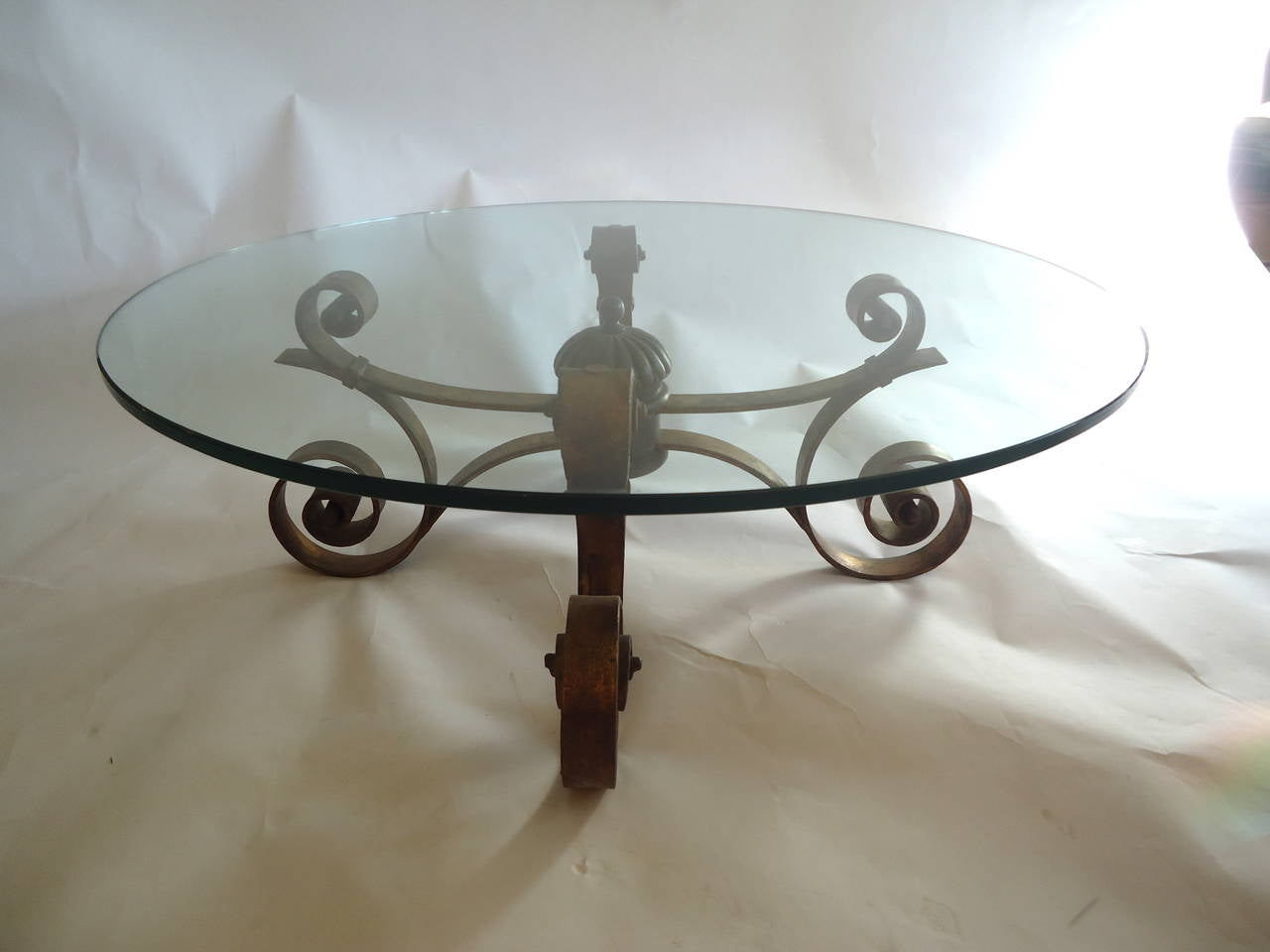 Round glass and gilded wrought iron coffee table at 1stdibs for Round glass top coffee table wrought iron