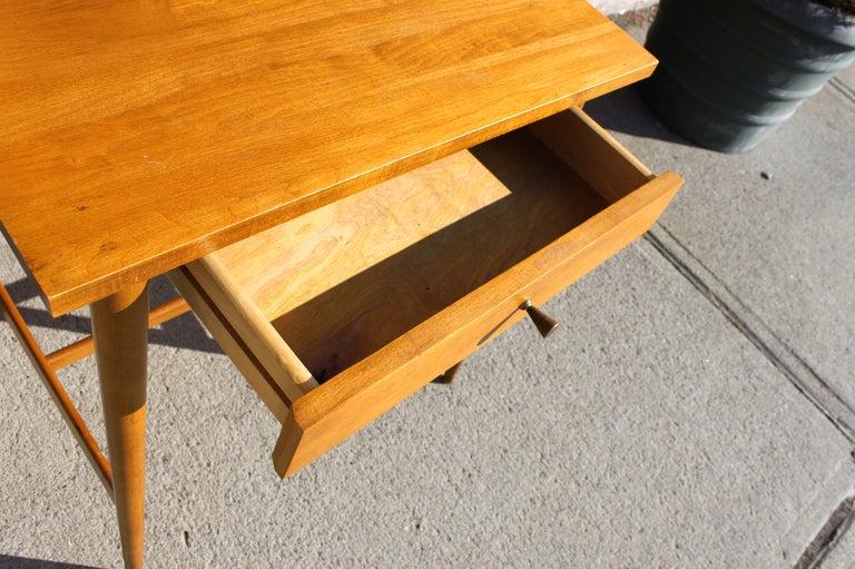Paul McCobb Planner Group Side Table For Sale 3