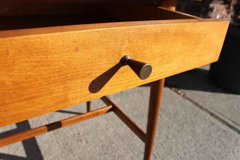 Paul McCobb Planner Group Side Table For Sale 1