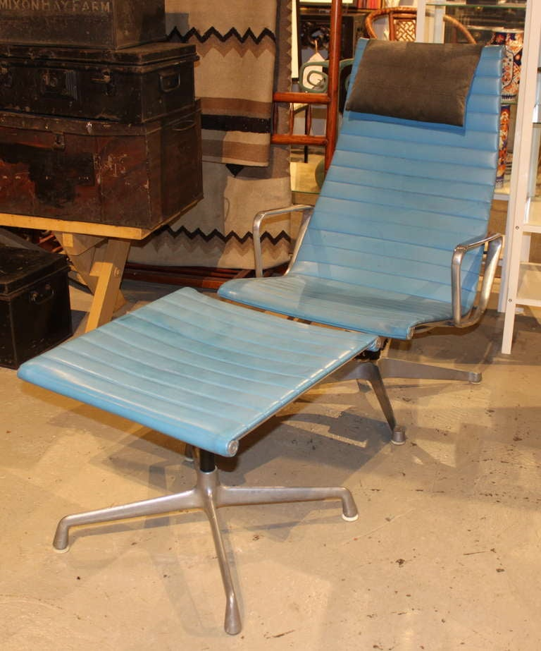 Eames Aluminum Group Lounge Chair And Ottoman 2