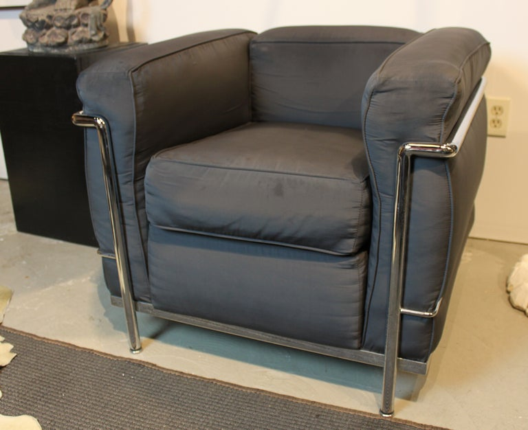 pair of le corbusier lc2 cube chairs at 1stdibs. Black Bedroom Furniture Sets. Home Design Ideas