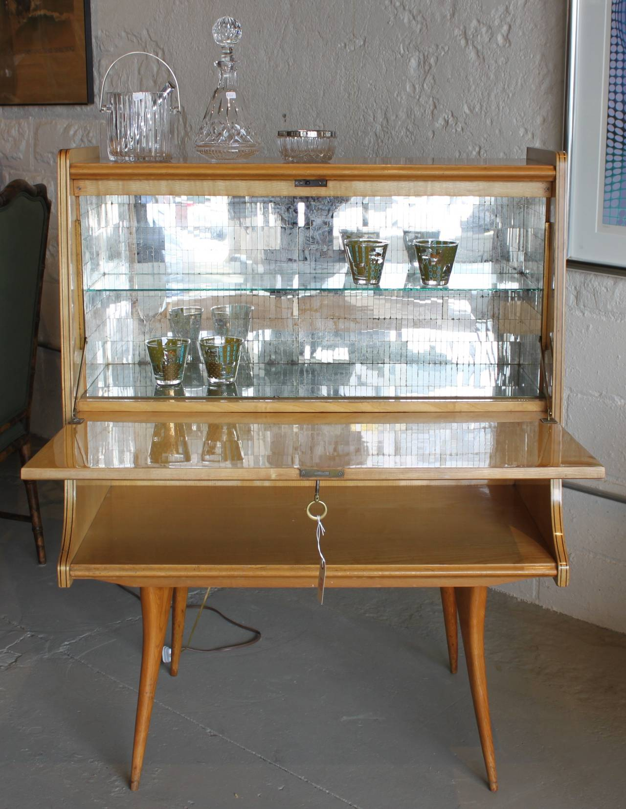 Mid Century Modern Italian Bar Cabinet Image 6