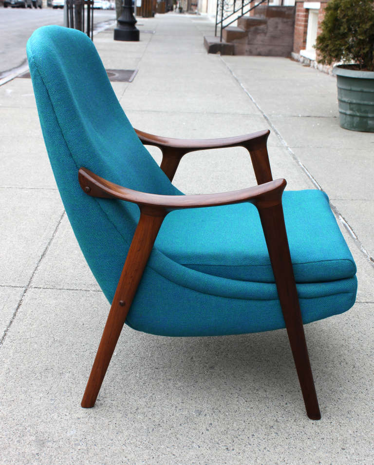 Danish Walnut Scoop Armchair 6