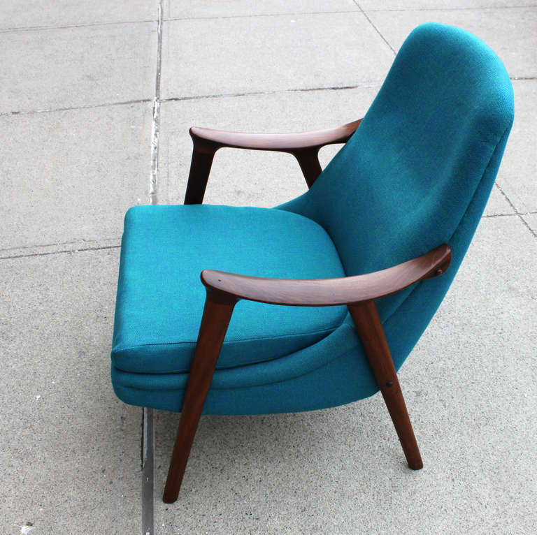 Danish Walnut Scoop Armchair 4