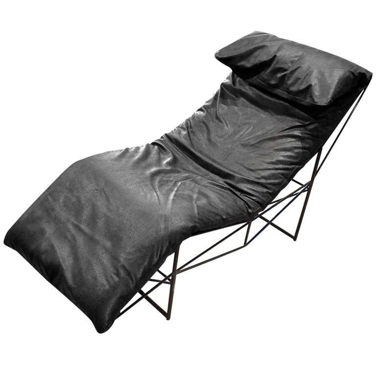 Black leather chaise lounge by sklar italy at 1stdibs for Black leather chaise